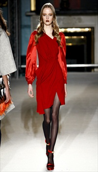 Amanda N at Roksanda Ilincic Fall/Winter 2011