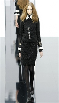 Johanna J at Chanel Fall/Winter 2009