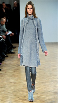 Lisanne at Pringle of Scotland Fall/Winter 2011