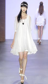 Teeani at Erin Fetherston Spring/Summer 2007