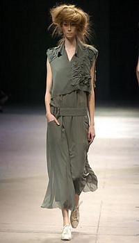 Alyssa S at Yohji Yamamoto Spring/Summer 2005