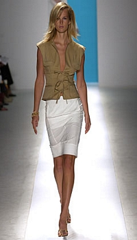 Amy L at Anne Klein Spring/Summer 2003