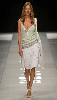 Kate M at Burberry Spring/Summer 2004