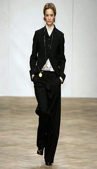 Kristina C at Gibo by Julie Verhoeven Fall/Winter 2004